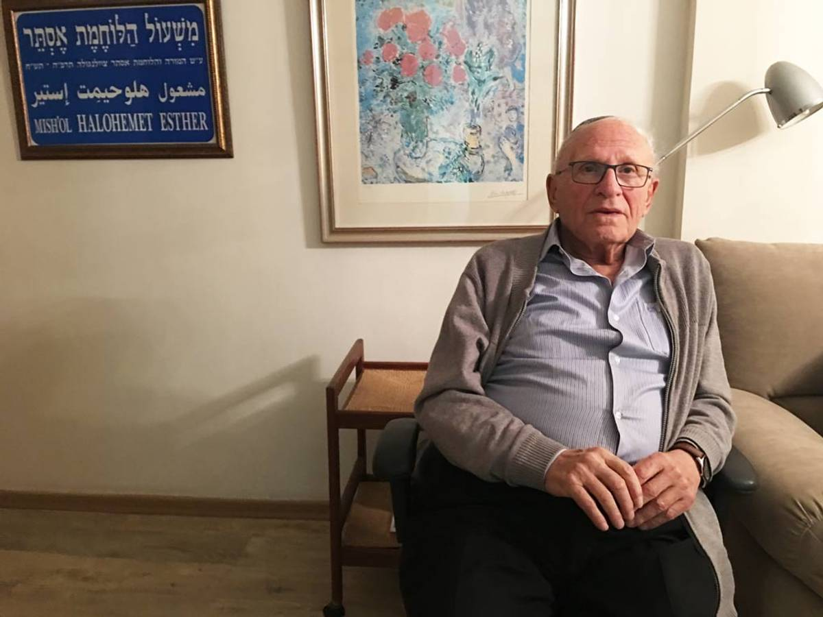Asher Cailingold in his Jerusalem apartment (Photo: Rosie Whitehouse)