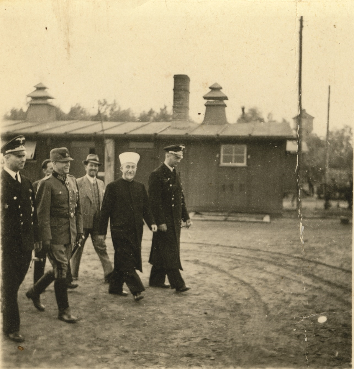 Photo 2, with Arthur Seyss-Inquart appearing second from left